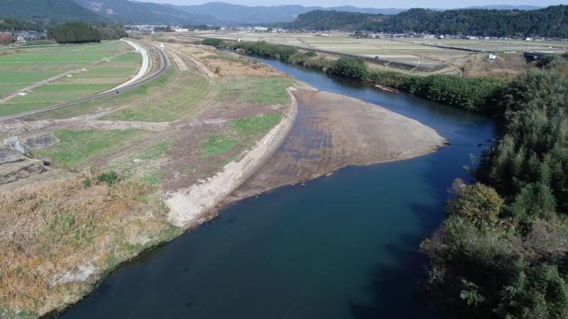 桶寄川合流点河道掘削工事